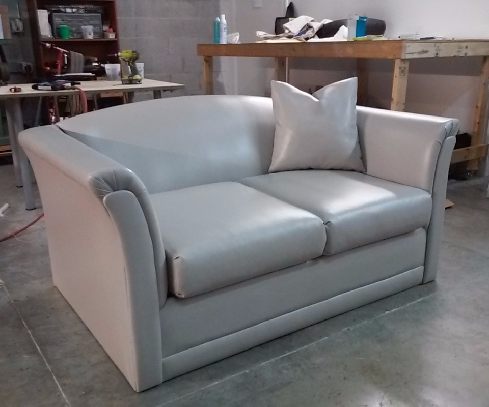 Custom Upholstered furnitures. By Arol's Style Upholstery (31)