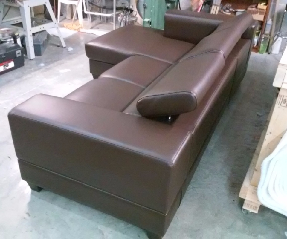 Custom Upholstered furnitures. By Arol's Style Upholstery (44)