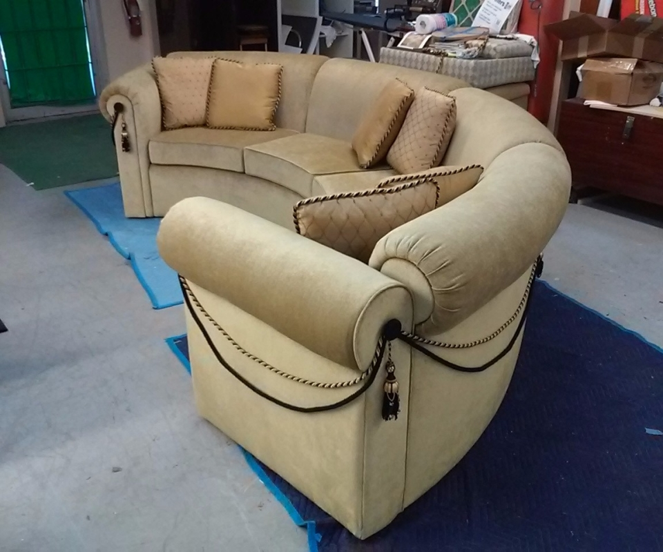 Custom Upholstered furnitures. By Arol's Style Upholstery (6)