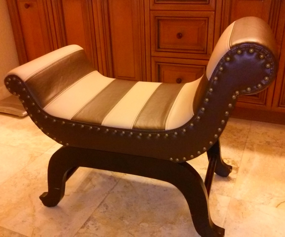 Custom Upholstered furnitures. By Arol's Style Upholstery (62)