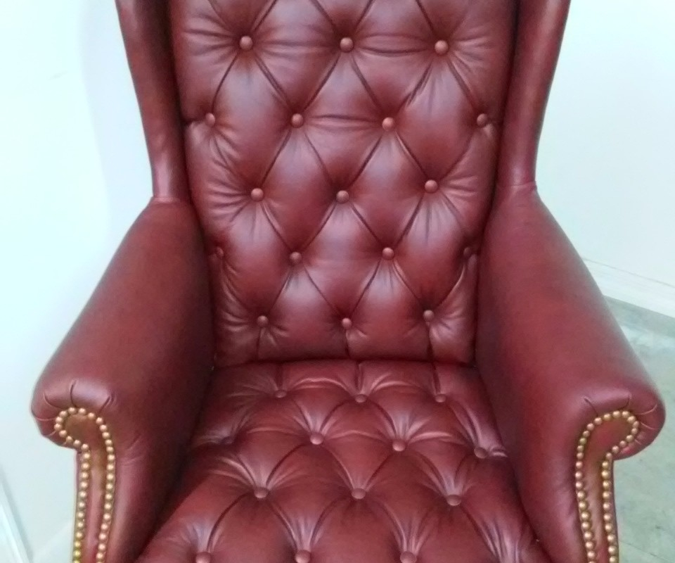 Genuine red leather desk cair, By Arol's Style Upholstery Tapiceria  (28)